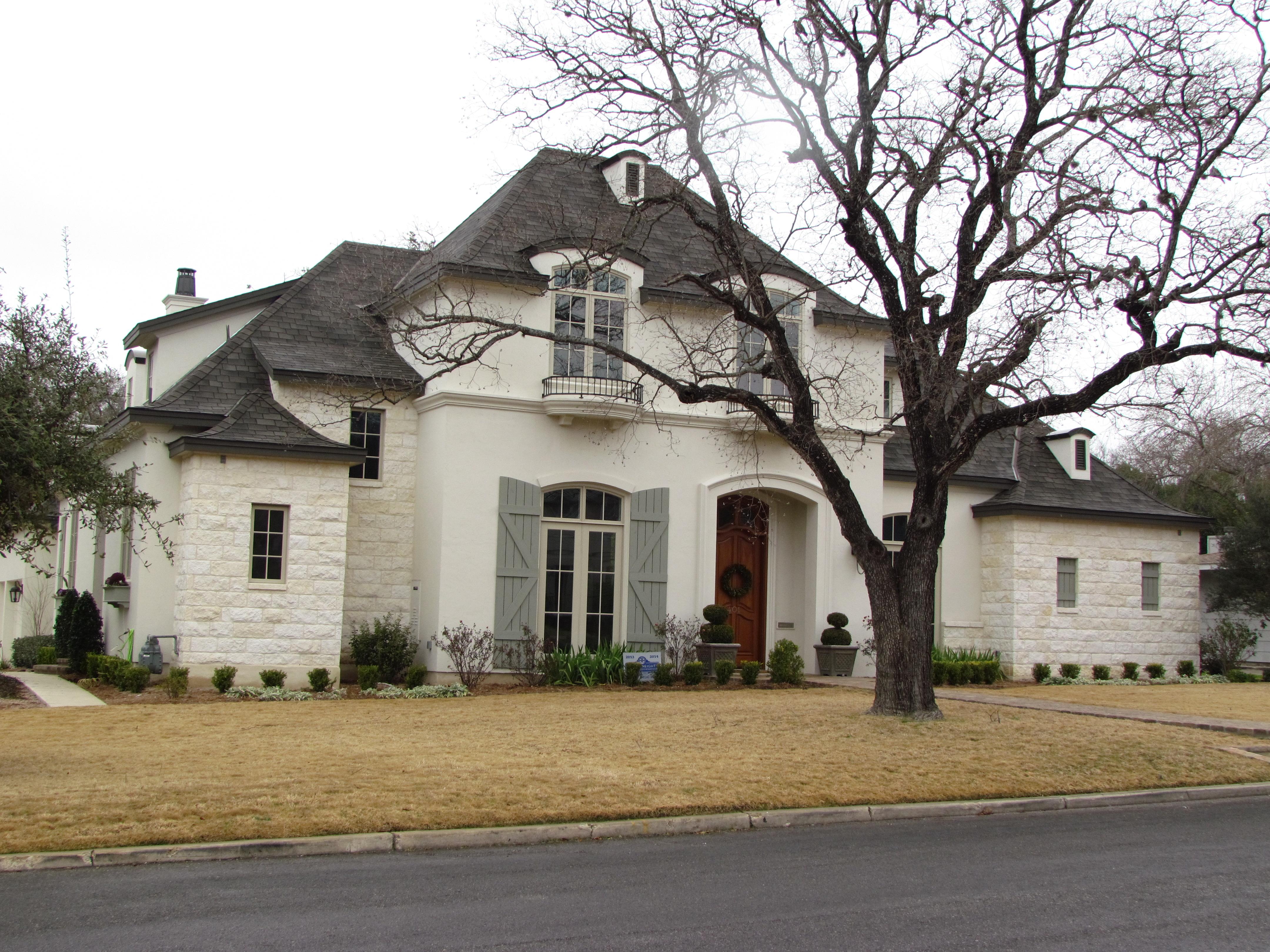 Williams residence odyssey design studios llc for Classic homes llc